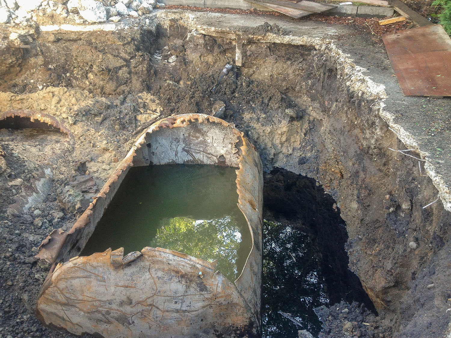 Tank Decommissioning and groundwater treatment